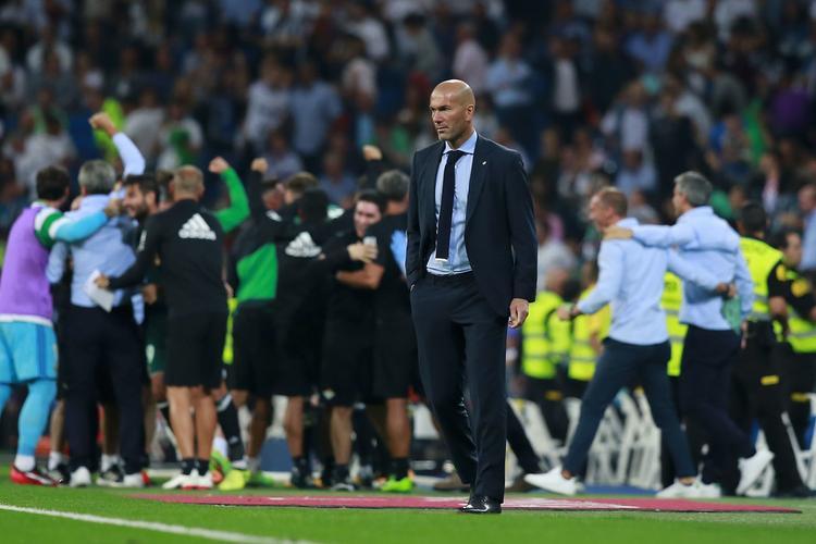 Nhiều người lo lắng cho Zidane khi ông bắt đầu hết… may mắn.
