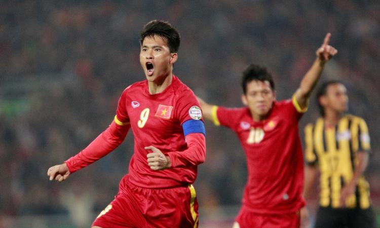 Công Vinh được giới chuyên môn và truyền thông quốc tế đánh giá là một trong những cầu thủ tốt nhất mà bóng đá Việt Nam từng sản sinh ra.