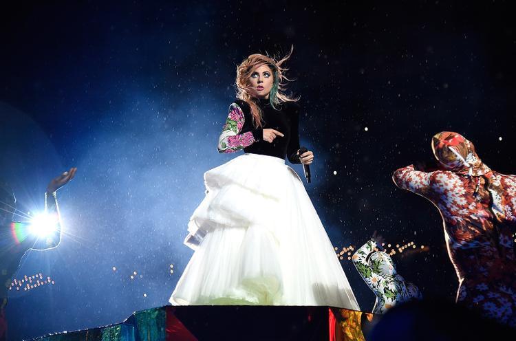 Joanne World Tour hầu như cháy vé trong vài giây ở các địa điểm bán.