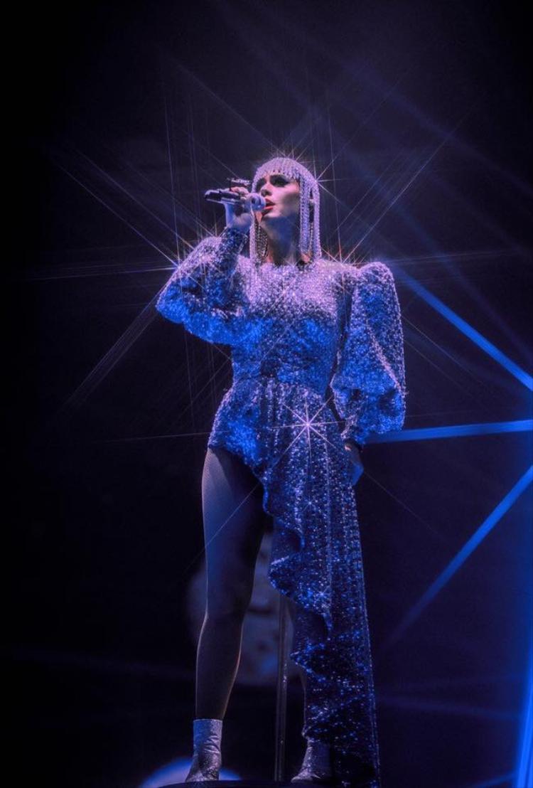 Với mỗi đêm diễn, Katy Perry sẽ trình diễn khoảng 21 ca khúc. Bên cạnh các ca khúc quen thuộc làm nên tên tuổi thì Katy cũng thể hiện hầu hết list nhạc trong album Witness, có thể kể đến Chained To The Rhythm, Swish Swish, Hey Hey Hey, Tsunami, Bon Appétit,…