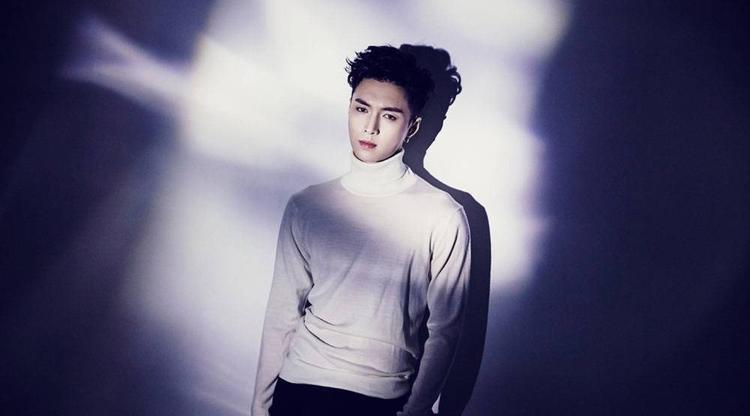Hình ảnh trở lại của Lay (EXO).