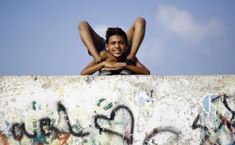 Cậu bé dẻo ở Palestine