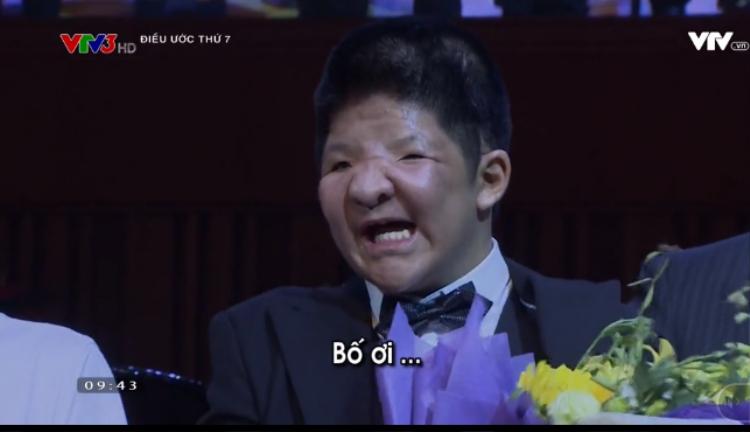 Màn trình diễn đầu tiên khi trở thành tân sinh viên Nhạc viện, Bôm dành tặng cho bố của mình.