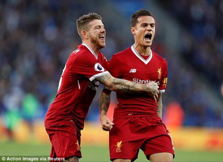Coutinho ghi siêu phẩm sút phạt giúp Liverpool hạ đẹp Leicester City
