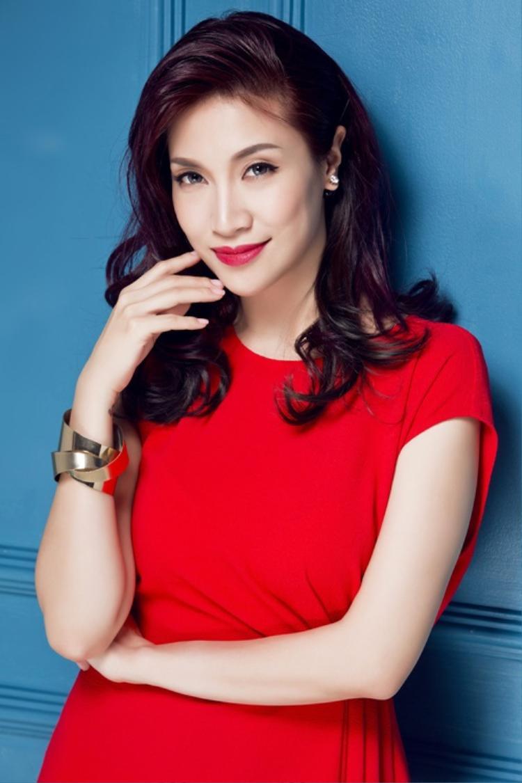 Nữ ca sĩ Pha Lê.
