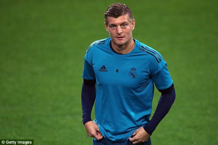 Tiền vệ người Đức là mắt xích tối quan trọng ở tuyến giữa. Với sự có mặt của Kroos, Ronaldo sẽ nhận được sự hỗ trợ tốt nhất từ tuyến tiền vệ.