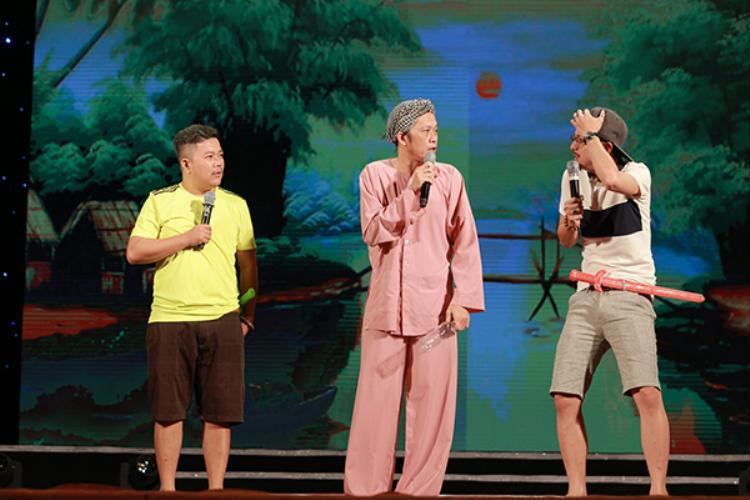 NSƯT Hoài Linh mang đến tiếng cười giòn giã khi biểu diễn tiết mục hài kịch