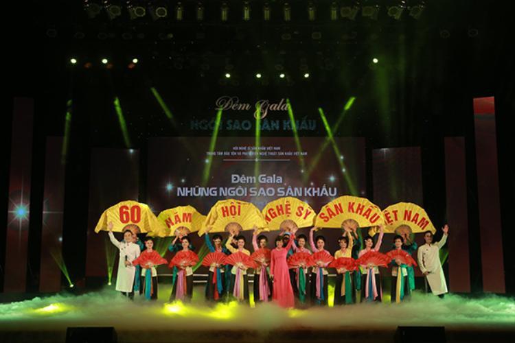 Gala Ngôi sao sân khấu khép lại thành công rực rỡ và mang đến nhiều cảm xúc cho các nghệ sĩ.