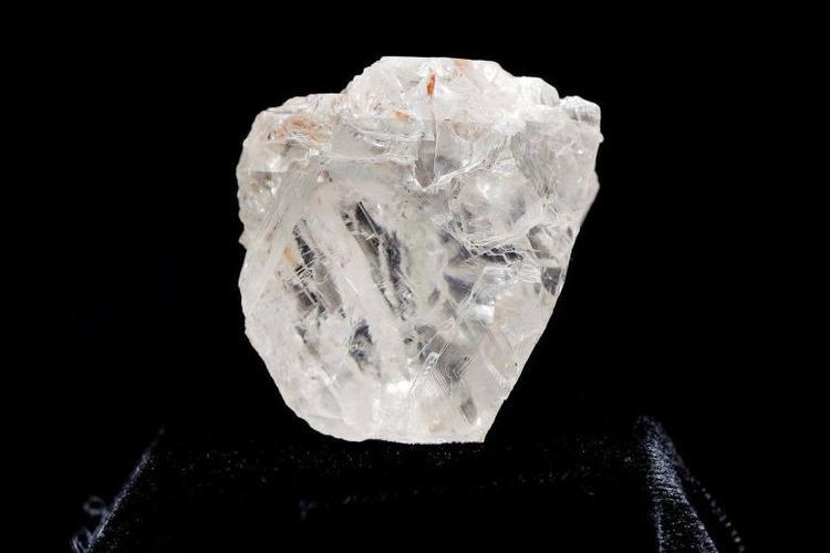 Viên kim cương thô lớn thứ hai thế giới bán với giá 53 triệu USD