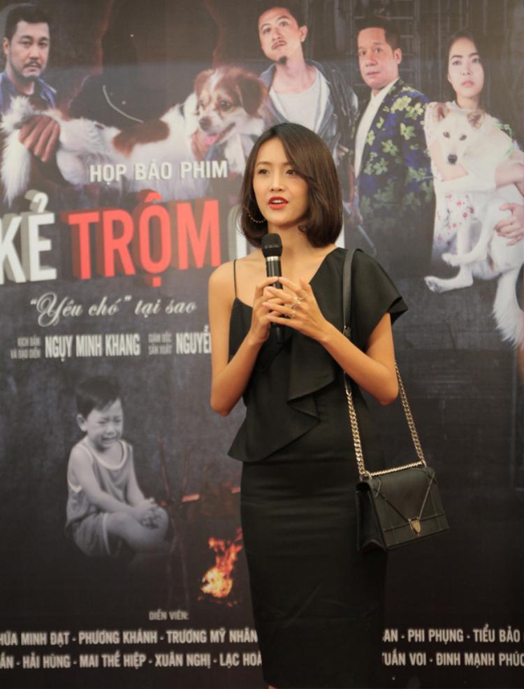 Sau khi gây ấn tượng trong The Face 2017, Trương Mỹ Nhân lấn sân sang lĩnh vực điện ảnh. Kẻ trộm chó là tác phẩm điện ảnh đầu tay của cô hậu cuộc thi.