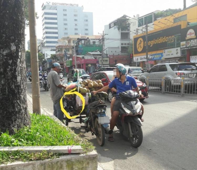 Khu vực người đàn ông buôn bán là tại đường Nguyễn Thị Minh Khai.
