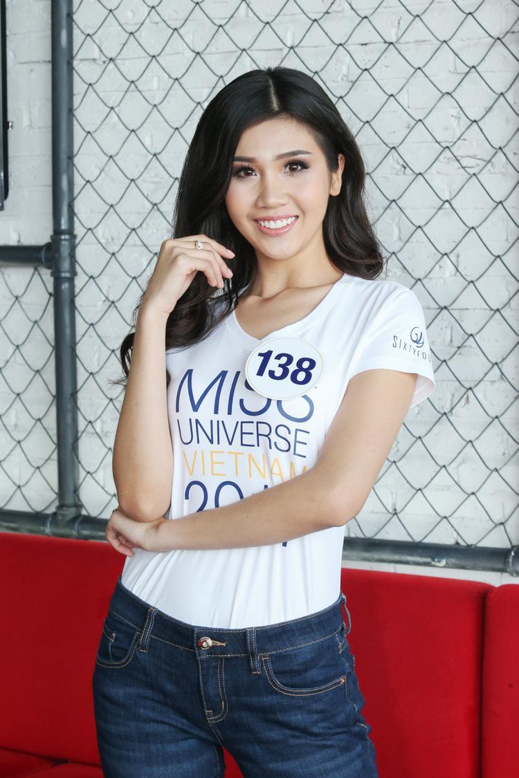 Có chiều cao hạn chế nhưng nụ cười tươi cùng kinh nghiệm làm người mẫu là điểm cộng giúp Phương Đài được đánh giá cao những đối thủ khác trong cuộc thi.