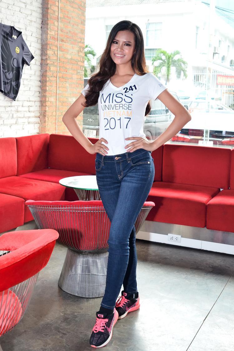 Thái Thị Hoa là nhan sắc khác biệt đến từ Gia Lai. Quyết tâm, tự tin và không bỏ cuộc, người đẹp muốn chinh phục những thử thách mới của Hoa hậu Hoàn vũ Việt Nam.