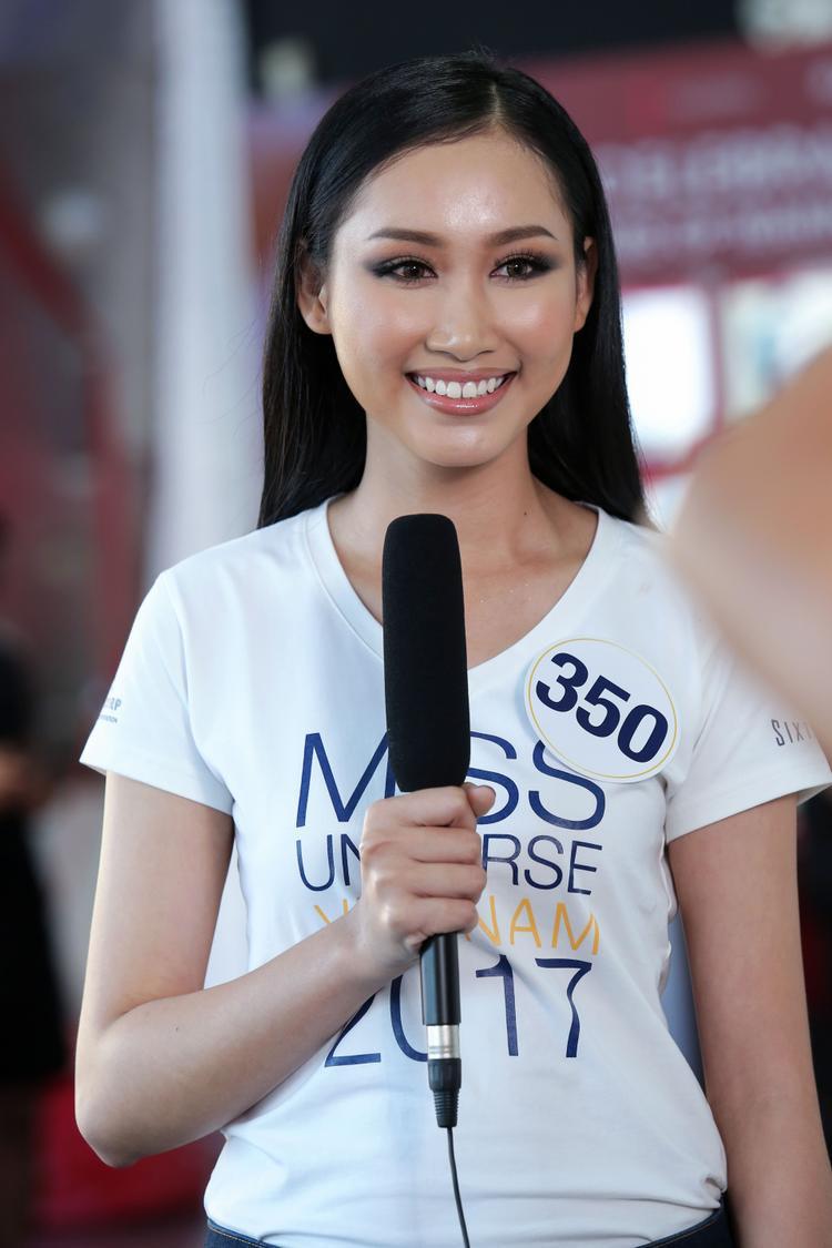 Đoàn Thị Hồng Trang được đặc cách vào thẳng Top 45 Hoa hậu Hoàn vũ Việt Nam 2017, với danh hiệu Hoa khôi miền Trung năm 2017.