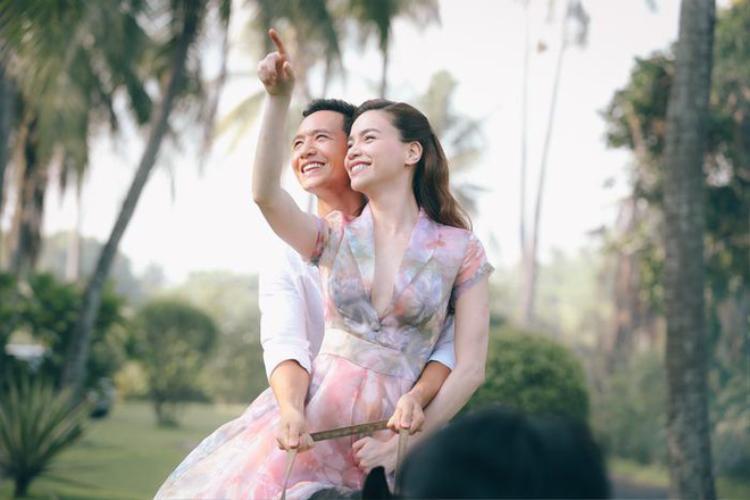 """Từ khi cùng hợp tác trong MV của Hà Hồ, """"phản ứng hoá học"""" tốt hơn cả mong đợi đã làm dấy lên nghi án hẹn hò của cặp đôi."""