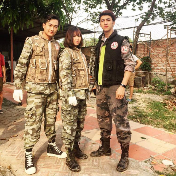 Huyền Lizzie, Anh Tuấn và Bình An trong hậu trường phim.