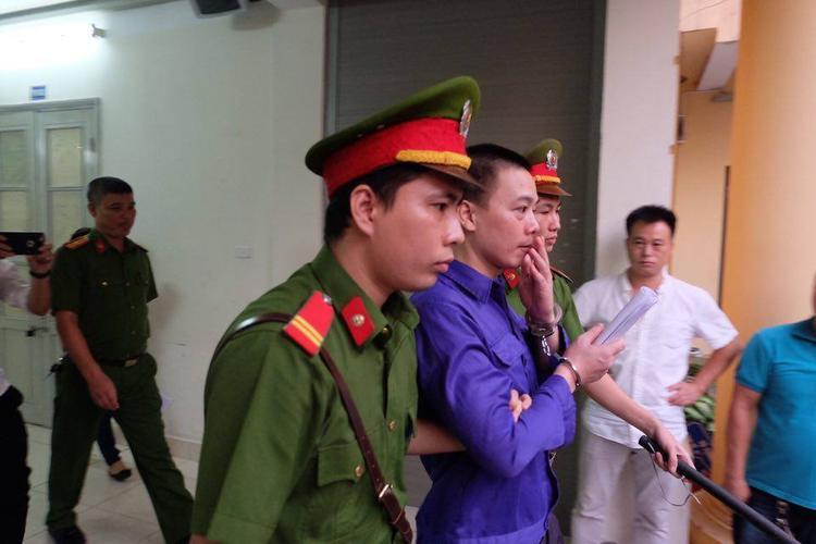 Cao Mạnh Hùng chỉ muốn bồi thường gia đình nạn nhân 5 triệu đồng tiền mặt.