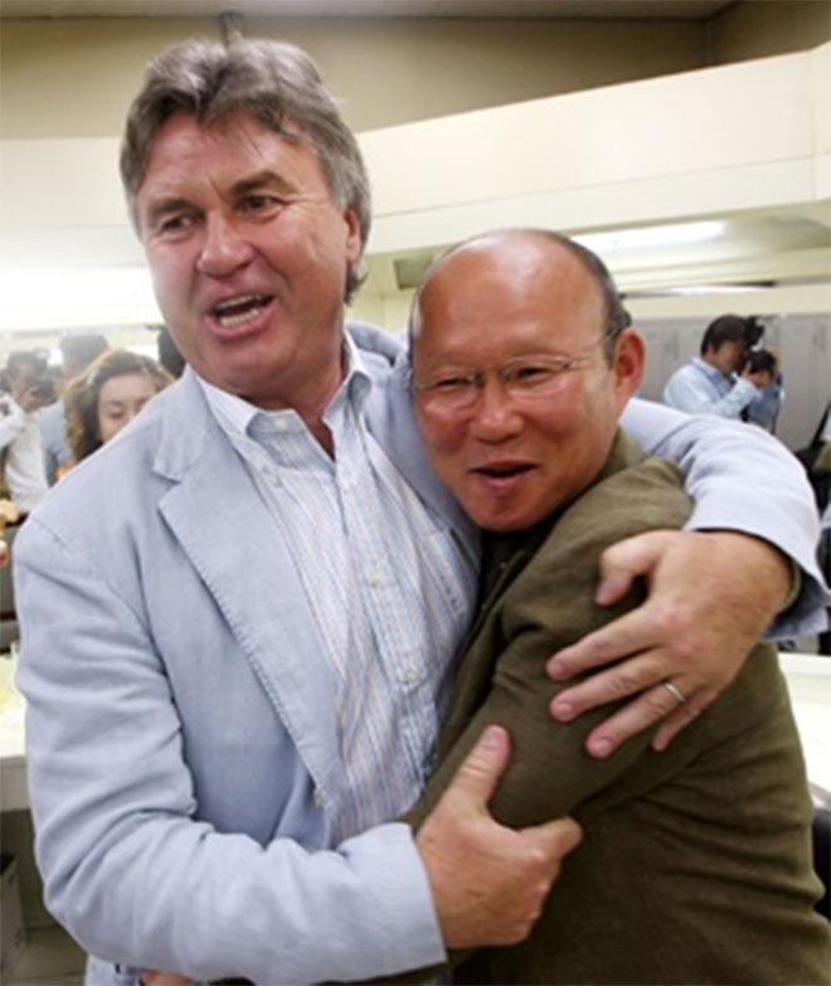 Guus Hiddink và Park Hang-seo trong ngày vui của Hàn Quốc.