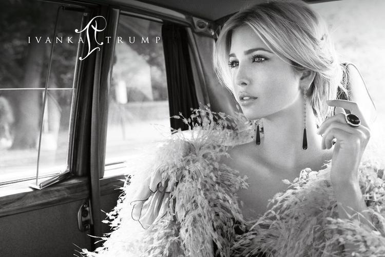 Ivanka Trump còn có cho mình nhãn hàng trang sức riêng: Ivanka Trump Fine Jewelry. Xuất thân người mẫu nên không khó để cô thả dáng cho hình ảnh quảng cáo nhãn hàng của mình.