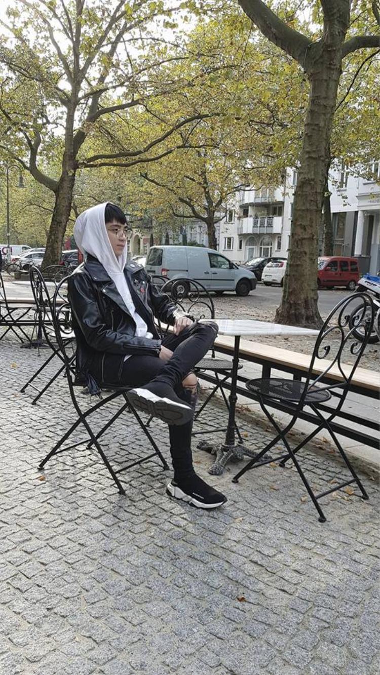 Một số hình ảnh của Soobin tại châu Âu.