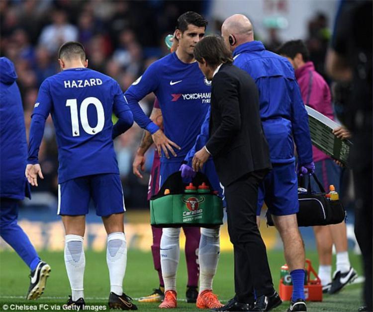Chelsea rơi xuống thứ 4 do gặp nhiều đội mạnh.