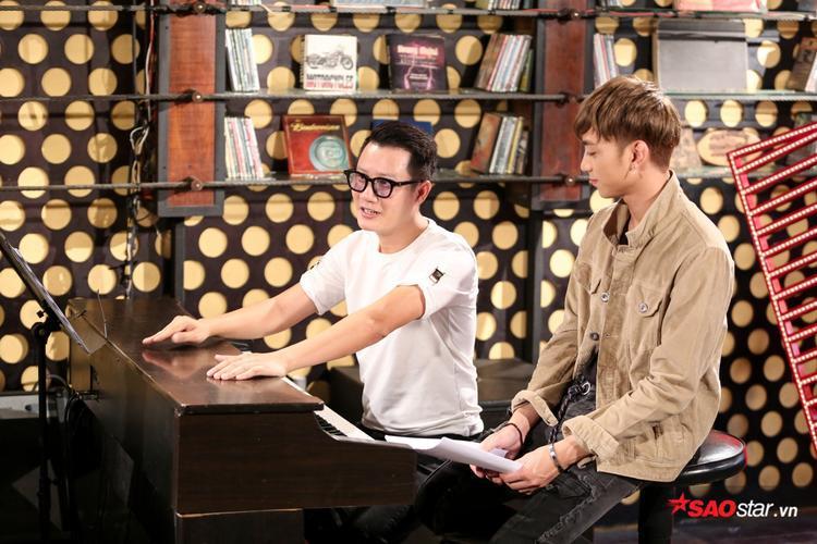Vừa đàn vừa hát, học trò team Soobin Hoàng Sơn chất lừ với hit Lạc trôi của Sơn Tùng M-TP
