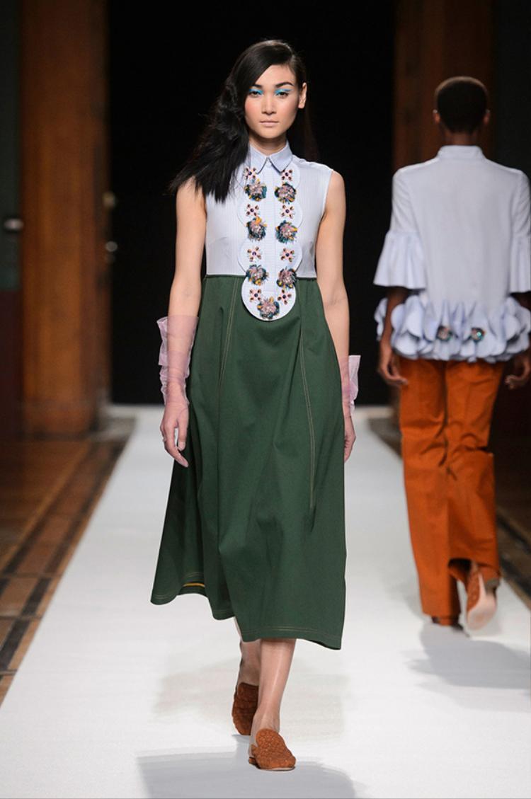 Thùy Trang kiêu sa trên sàn diễn Paris Fashion Week 2018