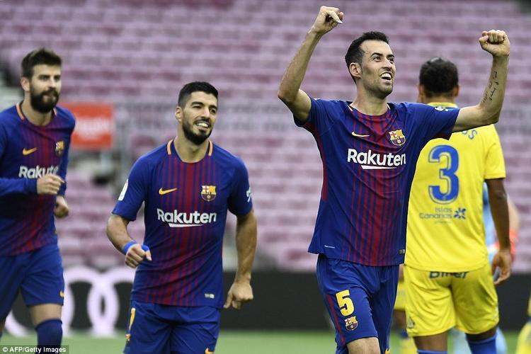 Ngay đầu hiệp 2, Busquets khai thông thế bế tắc cho đội chủ nhà ở phút 49 bằng cú đánh đầu uy lực sau tình huống phạt góc. Người kiến tạo không ai khác chính là Messi.