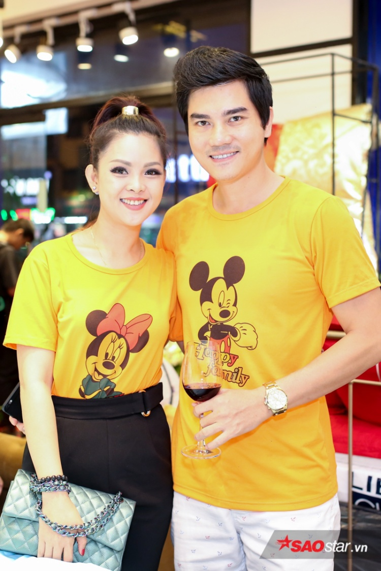 Vợ chồng diễn viên Thành Được cùng hai con cũng có mặt để chung vui với bạn thân.