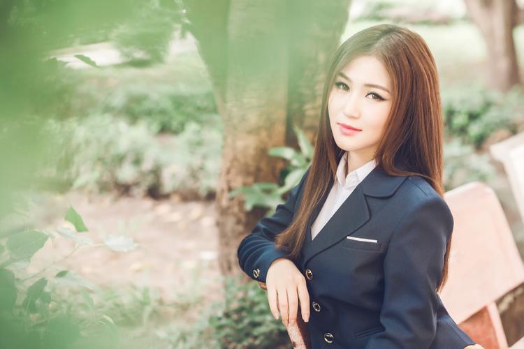"""Hơn 9 phút của MV khiến người xem có cảm giác """"đi lạc"""" vào câu chuyện mà e-kip nữ HLV Giọng hát Việt nhí muốn gửi gắm."""