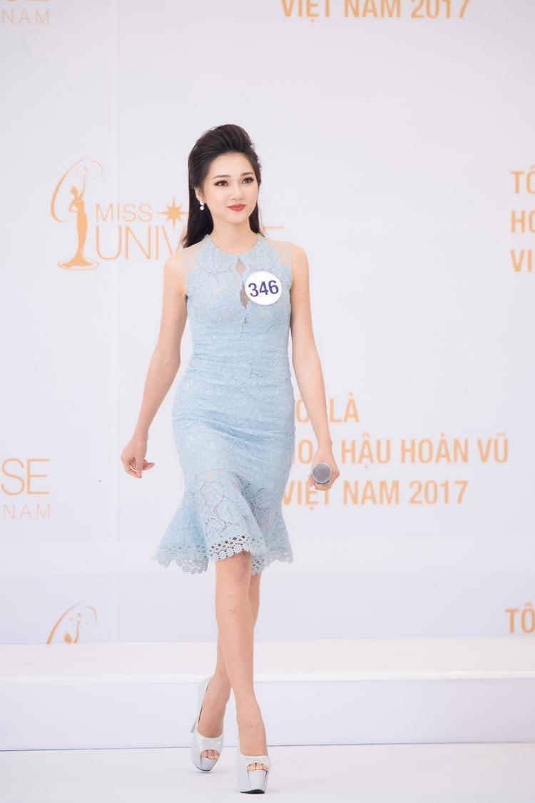 Nhiều ý kiến cho rằng vẻ ngọt ngào, thanh tú của Ngọc Nữ chỉ phù hợp với tính chất của Hoa hậu Việt Nam. Tuy nhiên, cô gái này luôn có niềm tin bản thân sẽ có thể thay đổi để thích nghi với từng sân chơi.