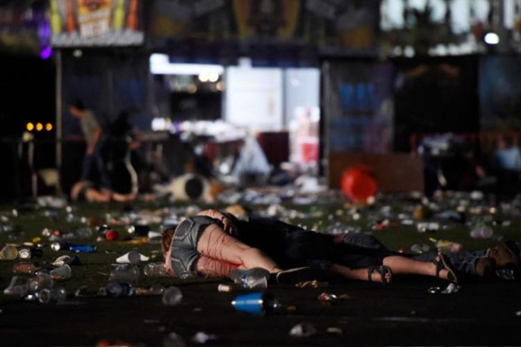 Vụ xả súng ở Las Vegas: Biển người nhốn nháo tìm cách thoát thân