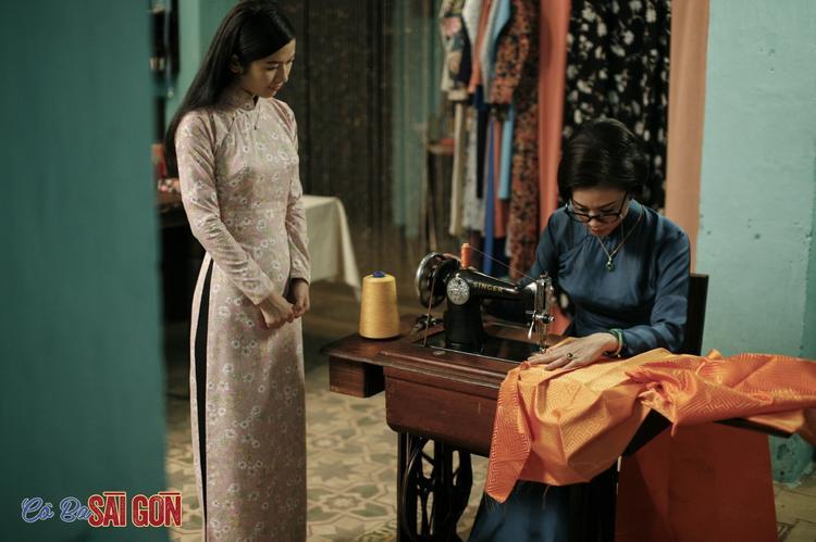 Để có được cảnh quay chân thật nhất trong phim Cô Ba Sài Gòn, Ngô Thanh Vân tìm đến bảo tàng áo dài của nhà thiết kế Sĩ Hoàng.