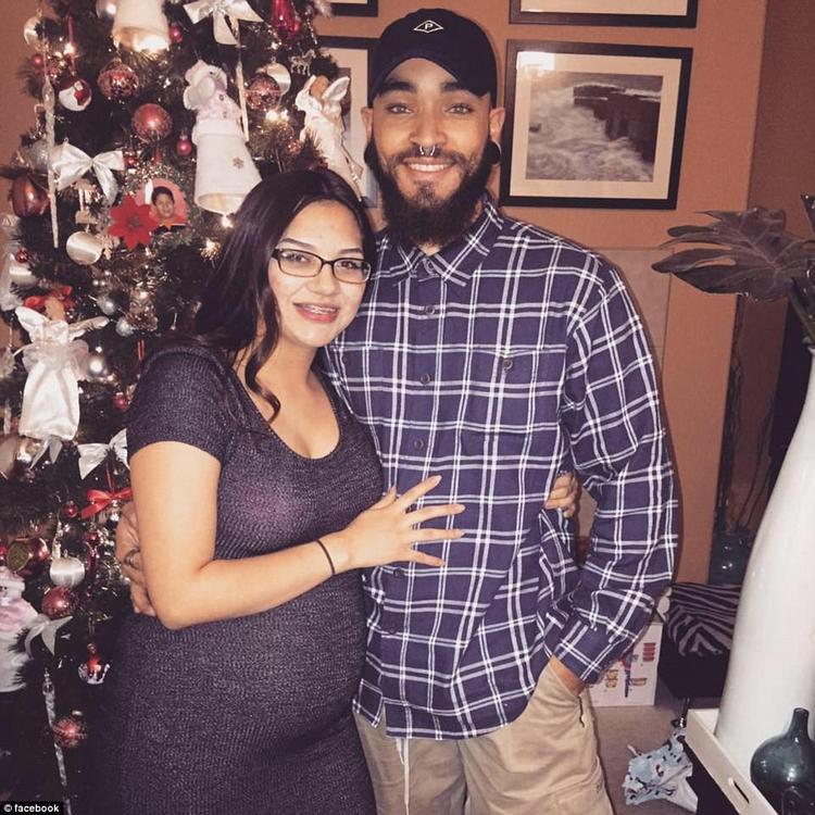 Bianca Acosta cho biết bạn trai Michael Anderson đã qua đời trong vụ nổ súng. Trên trang Facebook cá nhân, cô đăng bức ảnh chụp chung của hai người và mô tả Anderson là người đàn ông tuyệt vời.