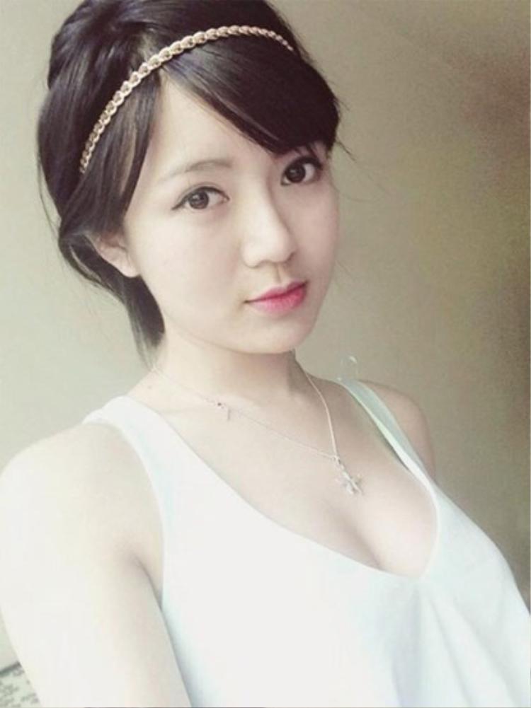 Tú Linh khi ấy trở thành một hiện tượng của mạng xã hội, truyền thông không chỉ trong nước mà còn với fan MU quốc tế. Trang facebook của cô có hơn 250 nghìn lượt like.