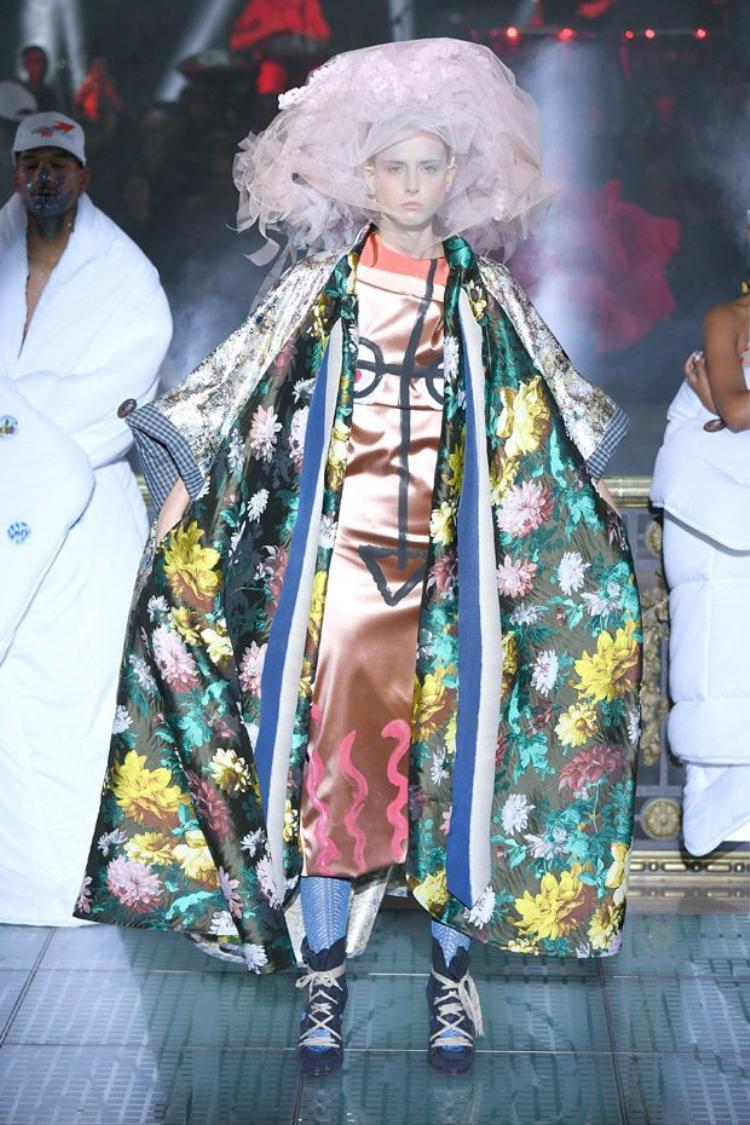 Thiết kế độc đáo của thương hiệu Vivienne Westwood.