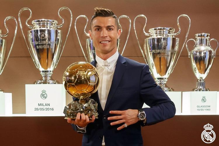 Soái ca Ronaldo và những lần bẽ mặt vì bị từ chối tình cảm