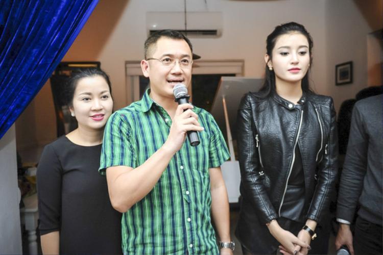 Bố của Á hậu Huyền My chia sẻ về những khó khăn mà con gái gặp phải trước thềm Miss Grand International 2017.