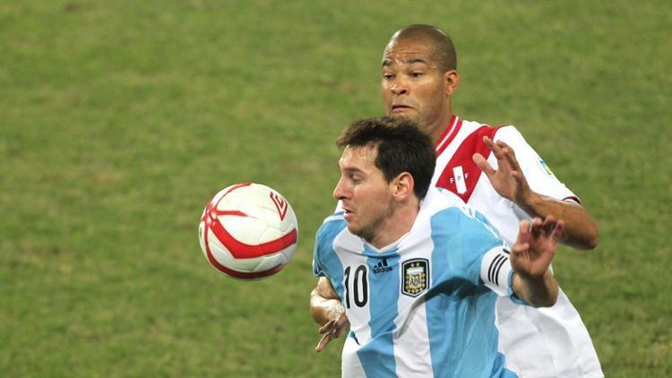 Peru sẵn sàng tái hiện lịch sử trước Argentina của Messi.
