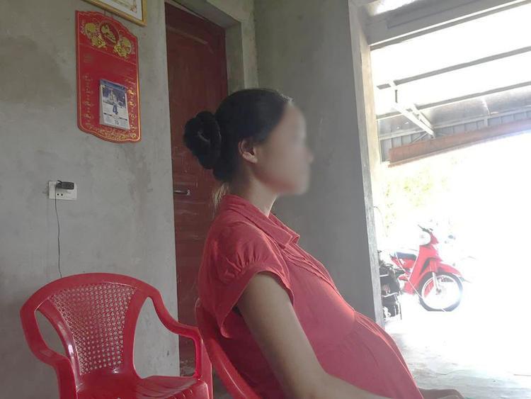 Q. phải tạm gác việc học tập vì mang thai sắp đến ngày sinh.