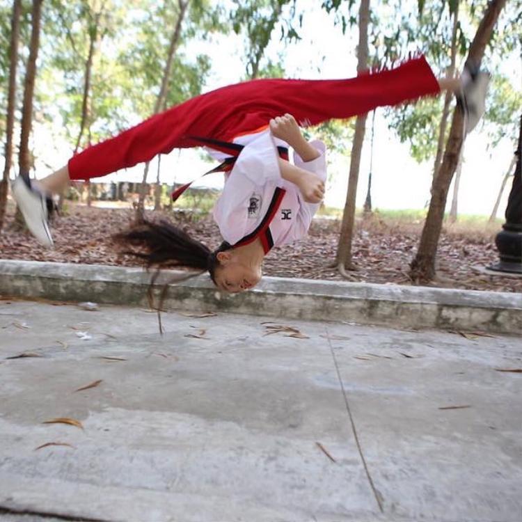 Tuyết sang hiện tại đang là VĐV Đội tuyển quyền Taekwondo Thành phố Hồ Chí Minh - thành viên Đội Võ nhạc Taekwondo Việt Nam V-SKY T Kids.