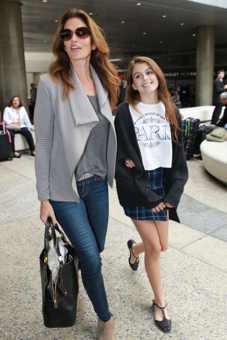 Kaia Gerber và mẹ - siêu mẫu Cindy Crawford - vào năm 2014.
