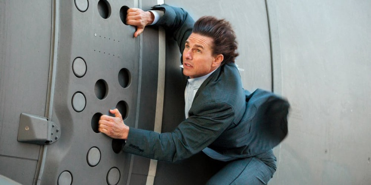 Tom Cruise trở lại phim trường Mission Impossible 6 sau chấn thương