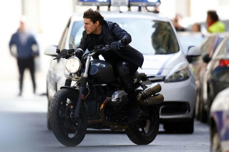 Tom Cruise luôn tự thực hiện những cảnh quay nguy hiểm.