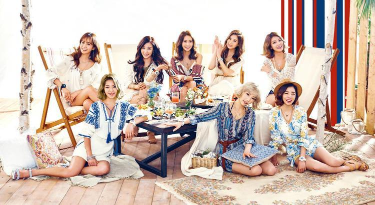 """SNSD được các fan ví như """"gánh hài quốc dân"""" vì độ bá đạo ngang nhau của 8 cô gái."""