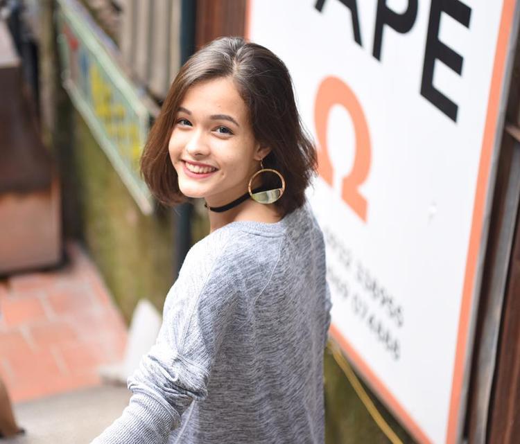 Những nữ sinh Việt lai Tây đẹp hết phần người khác