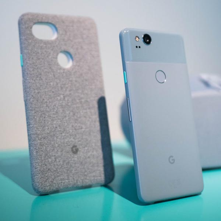 """""""Khá xanh"""" được cho là màu đặc sắc nhất trên Google Pixel 2."""