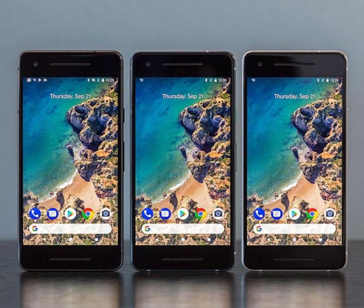 Mặt trước của Pixel 2 cùng loa kép đặc trưng của HTC.
