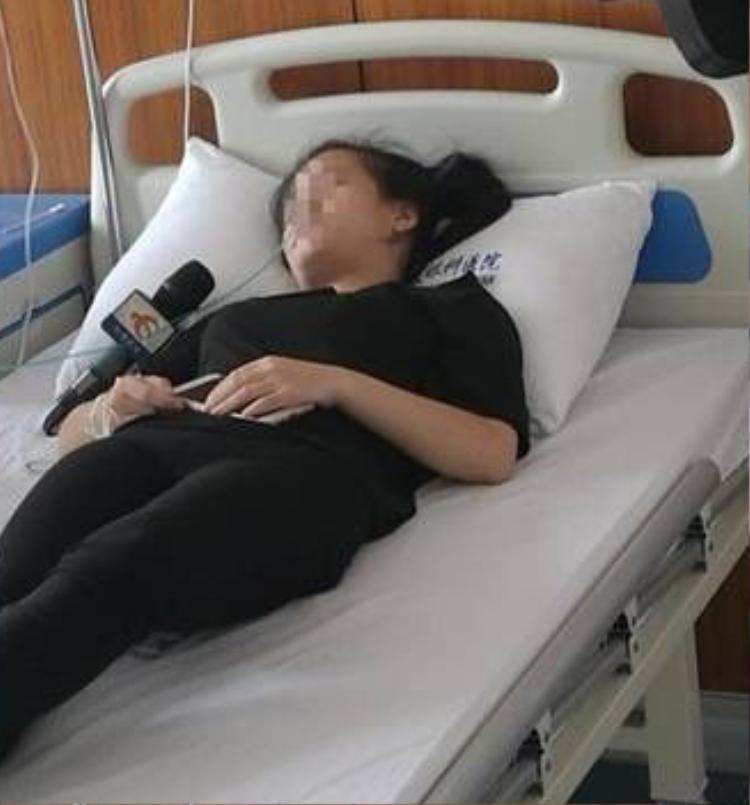 Cô gái trẻ bị mù vĩnh viễn vì cày game điện thoại suốt một ngày