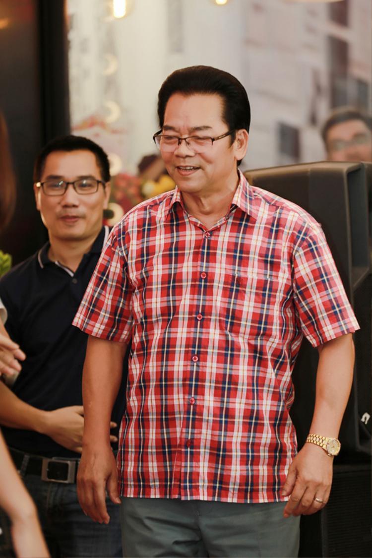 NSND Trần Nhượng.
